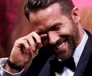 actor, funny face, and ryan reynolds image