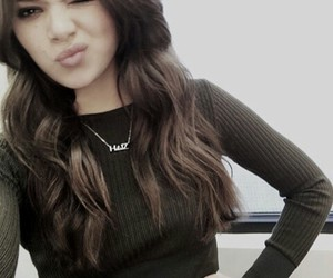 hailee steinfeld, brunette, and icon image