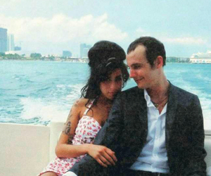 Amy Winehouse, Love Is A Losing Game, and amy and blake image