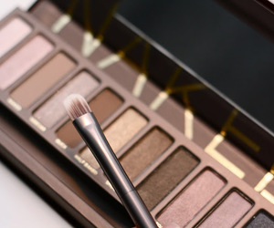 beauty, naked, and eyeshadow image