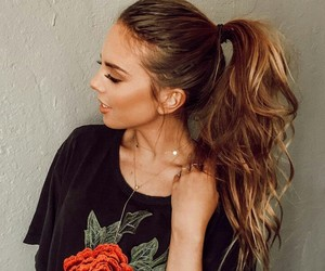 chicas and hair image