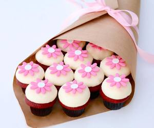beautiful, cupcake, and flowers image