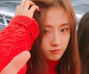 k-pop, loona, and yeojin image