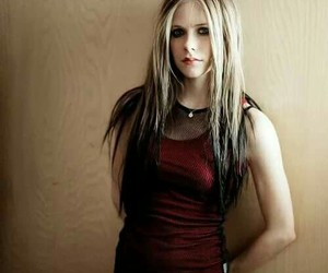 :) and ‎avril image