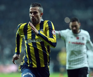 derby, football, and robin van persie image