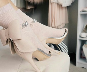 pink, fashion, and heels image