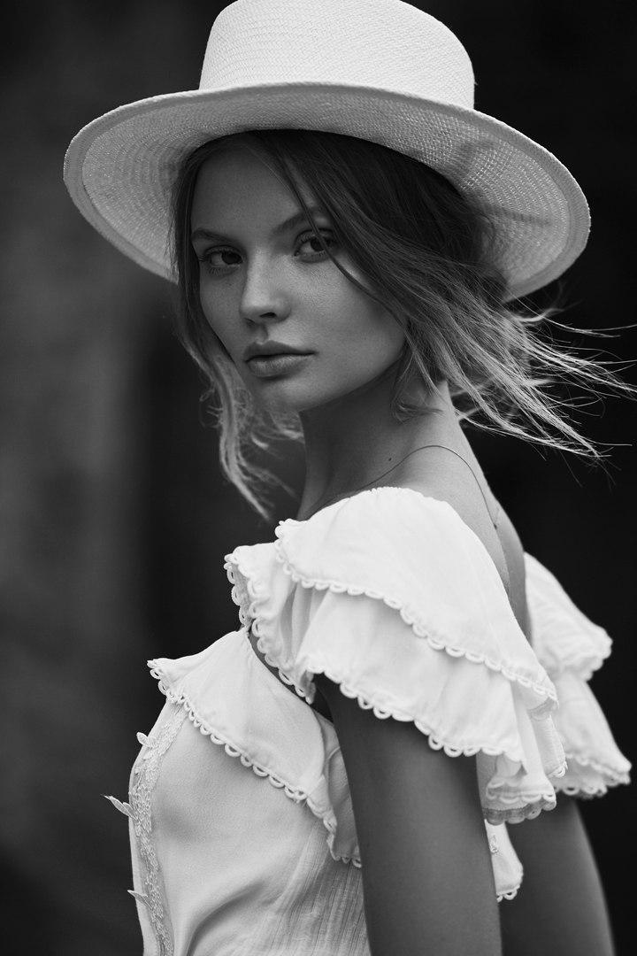 art, fashion, and Magdalena Frackowiak image