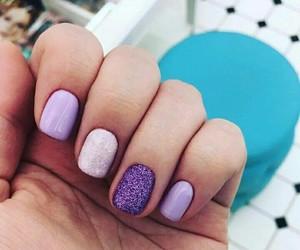 purple nails image