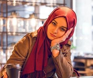 Pics of girls in hijab