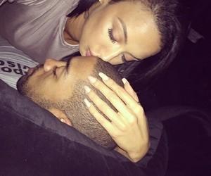 couple kiss image