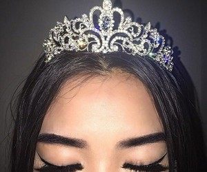 girl, Queen, and makeup image