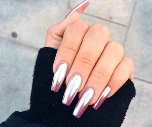 nails and chromirror image