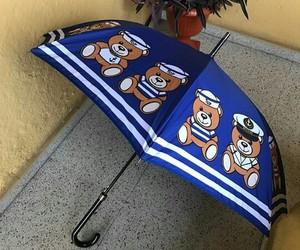 umbrella and paraguas image
