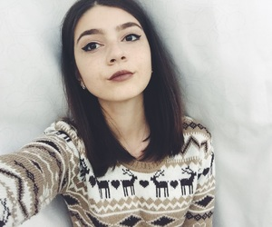girl and short hair image