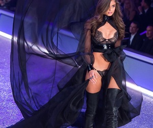 taylor hill, model, and vs fashion show image