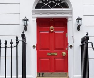 london, Londra, and red door image