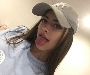 girl and cap image
