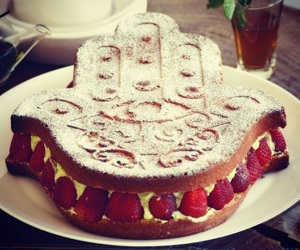 cake, fraisier, and khamsa image