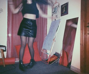 dance, blackoutfit, and grungy image