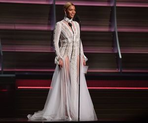 queen bey, beyoncé, and grammy awards image