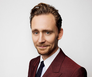 tom hiddleston and sweet image
