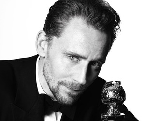 tom hiddleston, actor, and golden globes image
