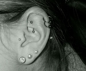 helix, piercing, and tragus image