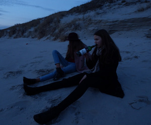 grunge, friends, and beach image