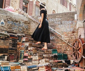 books and venezia image