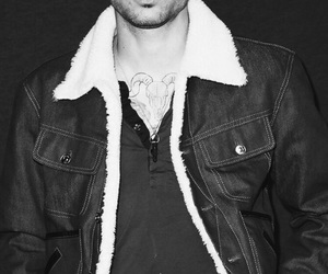 black and white, noir et blanc, and zayn malik image
