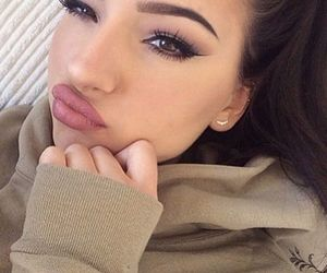 beauty, bed, and eyebrow image