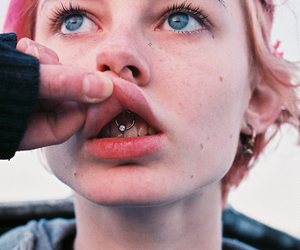 piercing, girl, and grunge image