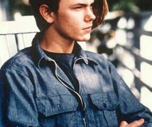 river phoenix and actor image