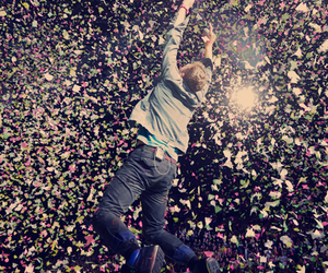 butterflies, Chris Martin, and coldplay image