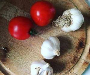 cooking, tomato, and garlic image