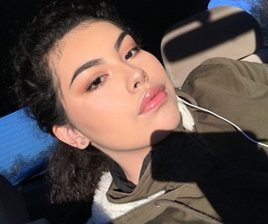 girl, glow, and highlight image