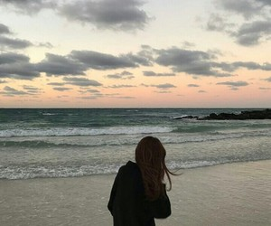 aesthetic, girl, and beach image
