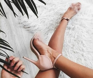 fashion, nails, and nude pink image