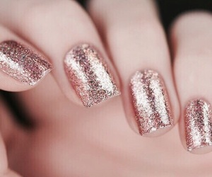 nails, glitter, and rose gold image