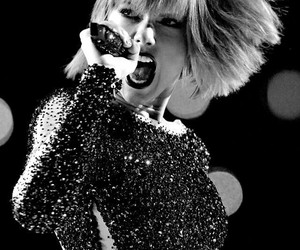 Taylor Swift, performance, and out of the woods image