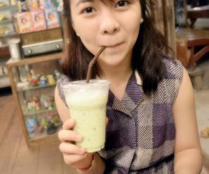 bubble tea, cute, and drink image