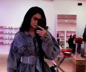 kylie jenner, kardashian, and king kylie image