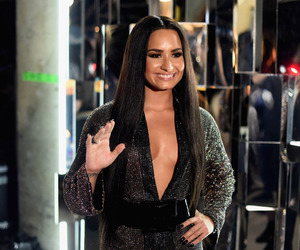 demi lovato and grammy awards 2017 image