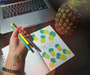 pineappie image