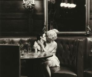 lesbian, kiss, and madonna image