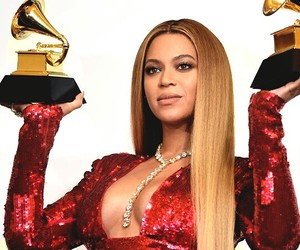grammy, queen b, and pregnant image