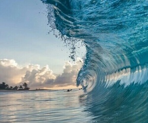 sea and wave image