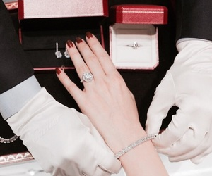 luxury and cartier image
