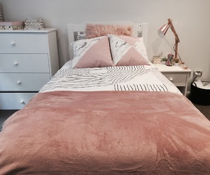 aesthetic, bed, and bedding image