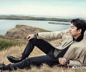 gong yoo, kdrama, and train to busan image